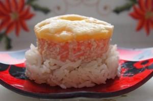 форель запеченная с рисом и ананасом