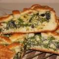 Пирог из творожного теста с зеленым луком, грибами и яйцами