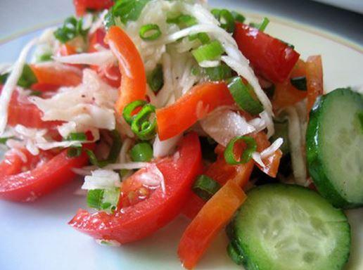 салат из капусты огурцов помидор перца