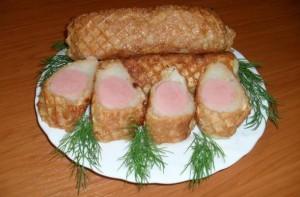 вафельные трубочки с пюре и сосиской