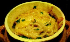 макароны в горшочке в молочном соусе
