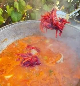 добавляем овощи и обжарку