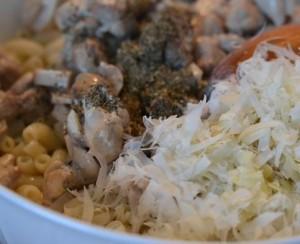 макаронник с грибами и курицей