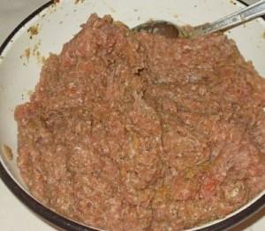 мясной рулет с ветчиной и сыром